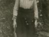nenie-lindley-in-gardening-clothes-1910