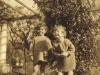 valerie-syme-right-pamela-thomas-first-cousins-1923
