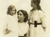 virginia-molteno-with-sisters-lucy-and-carol-cape-town-1916