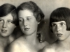vivien-birse-centre-with-her-sisters-kiki-and-peggy-finland-1920s