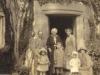 bessie-molteno-with-daughter-in-law-isla-and-3-grandchildren-ian-pamela-dierdre-glen-lyon-c-1930