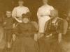 bob-buchanan-with-his-mother-elsie-buchanan-nee-lindley-and-nenie-lindley-1910
