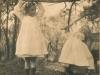 carol-molteno-right-her-elder-sister-lucy-having-fun-1906
