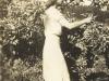 carol-williamson-picking-apples-at-kromvlei