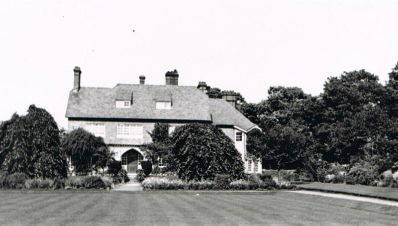 parklands-percy-bessie-moltenos-house-in-surrey