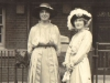 palace-court-margaret-molteno-left-and-islay-bisset-at-may-murrays-wedding-14-march-1915