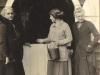 parklands-margaret-molteno-feeding-a-horse-w-her-aunt-caroline-murray-left-her-mother-bessie-april-1915